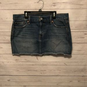 Women's Levi's blue denim mini skirt size 29